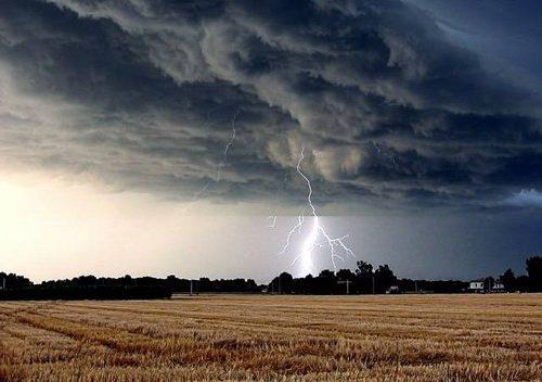 Confermata la fase temporalesca (nelle ore serali di oggi e domani) con la possibilità di grandinate localizzate